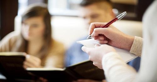 سوال های گارسون در رستوران به انگلیسی